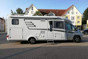 Hire a motorhome in Kerpen from private owners| Hymer Unser Hymer