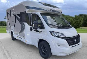 Hire a motorhome in Krefeld from private owners  Chausson Hilde
