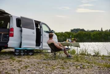 Hire a motorhome in Stuttgart from private owners| Opel Zafira Life Hiloa