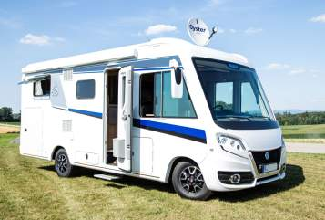 Hire a motorhome in Thalmassing from private owners| Knaus Skyscraper