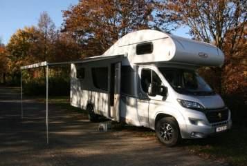 Hire a motorhome in Römerberg from private owners| LMC Breezer HILDE