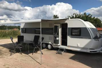 Hire a motorhome in Berlin from private owners| Hobby  Hobby 720 KFU Prestige