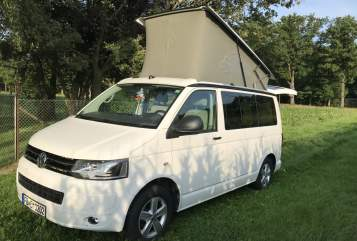 Hire a motorhome in Bad Nauheim from private owners| Volkswagen California Beach Elmi
