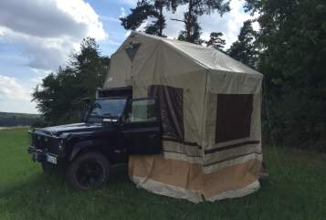 Hire a motorhome in Münzenberg from private owners| Land Rover Defender TD 5 Capt´n Heavy metal