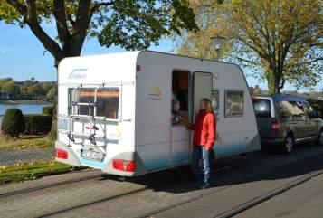 Hire a motorhome in Königswinter from private owners| Eifelland Rheinland Camper Wohnwagen