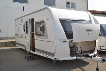 Hire a motorhome in Stahnsdorf from private owners| Fendt Sigiriya II