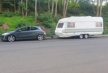 Hire a motorhome in Saarbrücken from private owners| Chateau  Michel's Wowa