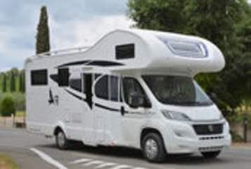 Hire a motorhome in Pirna from private owners| Rimor Top Camper