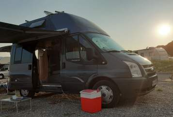 Hire a motorhome in Karlsruhe from private owners| Ford Tony