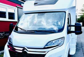 Hire a motorhome in Bochum from private owners| Mooveo Liz