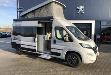 Hire a motorhome in Schkeuditz from private owners| Hymercar Timon