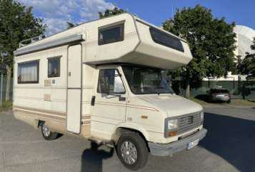 Hire a motorhome in Frankfurt am Main from private owners| Peugeot  Emma