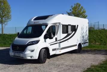 Hire a motorhome in Oberhausen from private owners| Orangecamp Womo Oberhausen