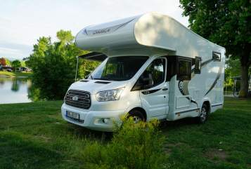 Hire a motorhome in Ehningen from private owners| Chausson  Family Fun EZ 10/17