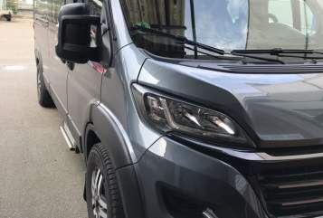 Hire a motorhome in Bremen from private owners| Knaus Dude mit isofix