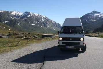 Hire a motorhome in Stuttgart from private owners  Volkswagen Manni