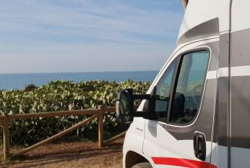 Hire a motorhome in Marienheide from private owners| Sunlight Columbus