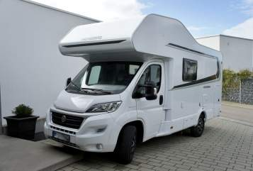 Hire a motorhome in Sigmaringendorf from private owners| Weinsberg Weinsberg