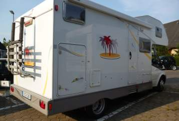Hire a motorhome in Uetersen from private owners| Sunlight Sunlight A63
