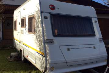 Hire a motorhome in Eiselfing from private owners| Bürstner Bene