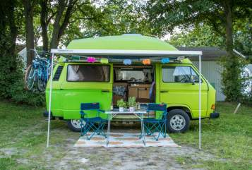 Hire a motorhome in Berlin from private owners  Volkswagen Kermit