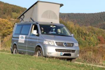 Hire a motorhome in München from private owners| VW Sonnendach