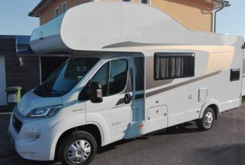Hire a motorhome in Lichtenfels from private owners| Carado Fonsi