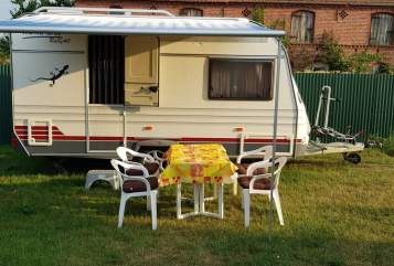 Hire a motorhome in Nennhausen from private owners| Home Car Home Car 403H