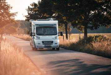 Hire a motorhome in Berlin from private owners| Hymer Hirschgärtner