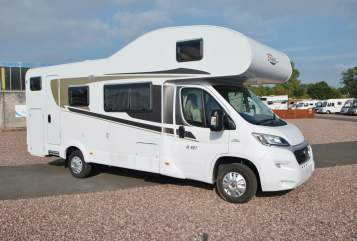 Hire a motorhome in Königsbrunn from private owners| Carado Burschn-Bus