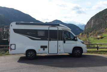 Hire a motorhome in Köln from private owners| Bürstner Cologne Mobil