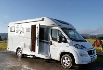 Hire a motorhome in Tambach-Dietharz from private owners| Fiat Straubis Womo