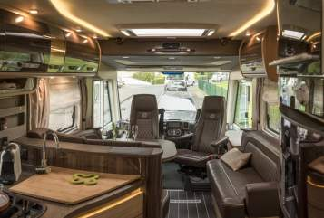 Hire a motorhome in Troisdorf from private owners| Knaus  Dickschiff
