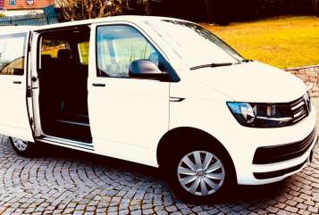 Hire a motorhome in Mosbach from private owners  Volkswagen T6 Balu