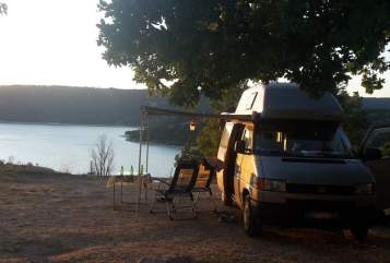 Hire a motorhome in Frankfurt am Main from private owners| Volkswagen Trolli
