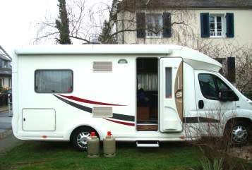 Hire a motorhome in Mainz from private owners  Euramobil Dreamcatcher