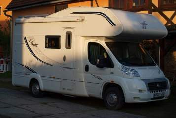 Hire a motorhome in Radeberg from private owners| LMC  Liberty