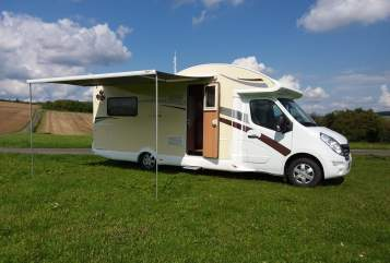 Hire a motorhome in Warburg from private owners| Renault Master Grizzly One