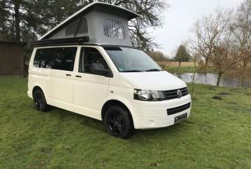 Hire a motorhome in Karlum from private owners| VW T5 Dünencamper 2