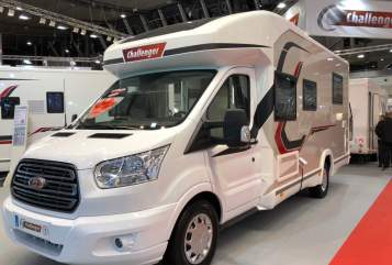 Hire a motorhome in Scheidegg from private owners| Challenger Challenger 358