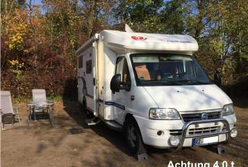 Hire a motorhome in Dassendorf from private owners| Euramobil Robby