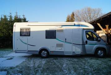 Hire a motorhome in Rhauderfehn from private owners| Chausson Schorsch