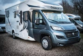 Hire a motorhome in Grevenbroich from private owners| Chausson Luxus Welcome !