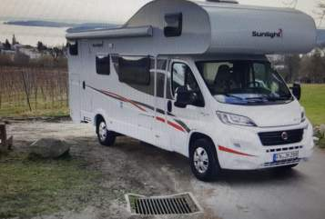 Hire a motorhome in Überlingen from private owners| Fiat Ducato 2,3 L Multijet EURO 6 Sunlight *A72*