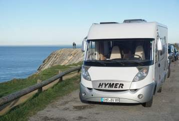 Hire a motorhome in Neuenstein from private owners| Hymer Mobi