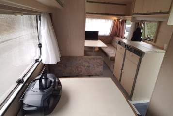 Hire a motorhome in Duisburg from private owners| Dethleffs Scholli
