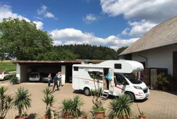 Hire a motorhome in Heiligenberg from private owners| Sunlight Sunlight A68