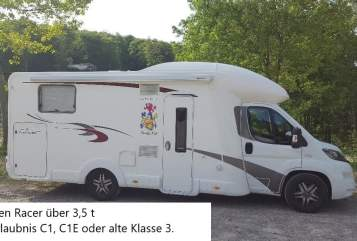 Hire a motorhome in Lindlar from private owners| Euramobil Wappen Racer