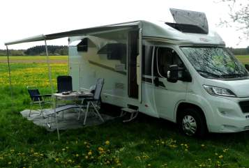 Hire a motorhome in Denzlingen from private owners| Carado Bobbele