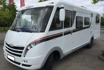 Hire a motorhome in Lutherstadt Eisleben from private owners| LMC Coco